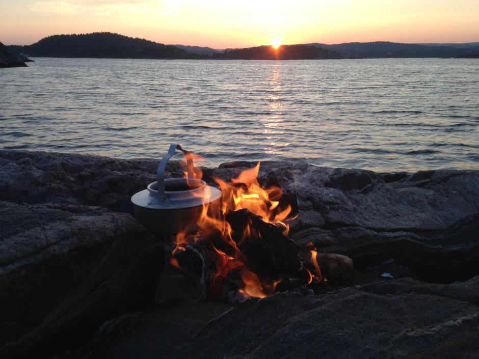 Kaffebål i solnedgang